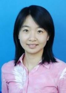 Headshot of Xiaoyue Niu with black hair and pink and white blouse.